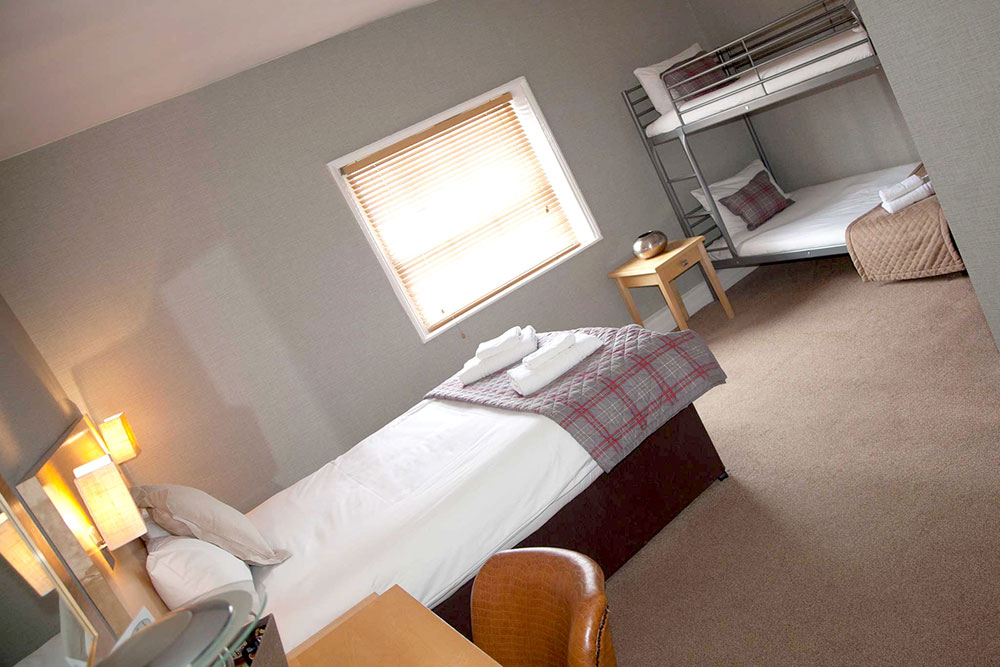 Family Room for Four - Warwick Arms Hotel