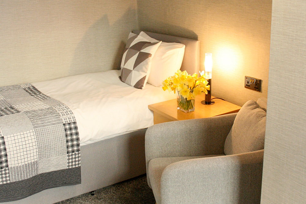 Single Room - Warwick Arms Hotel