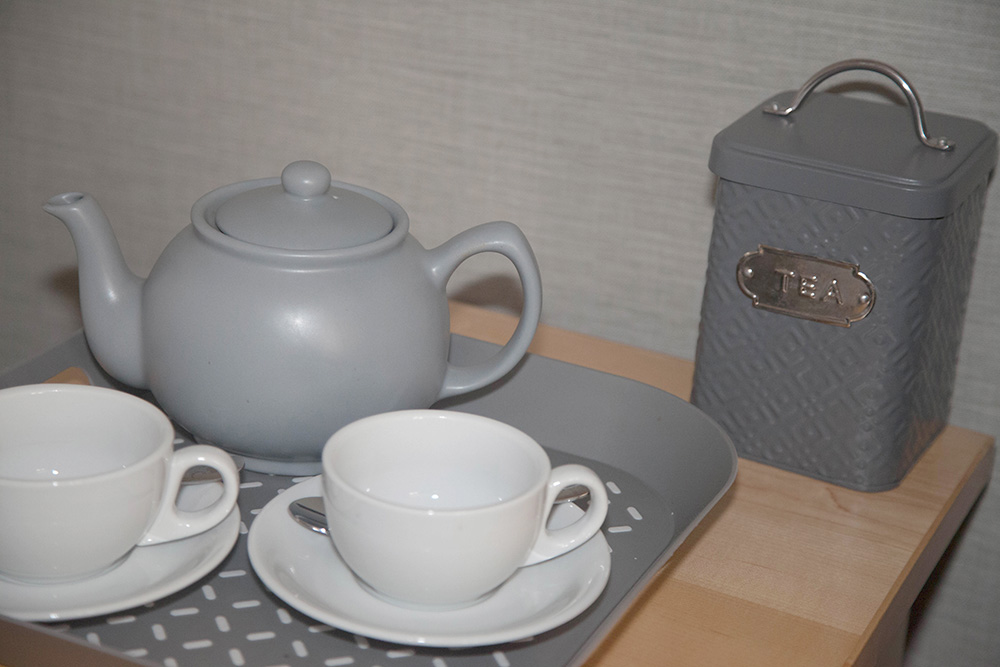 Twin Room Tea Tray - Warwick Arms Hotel