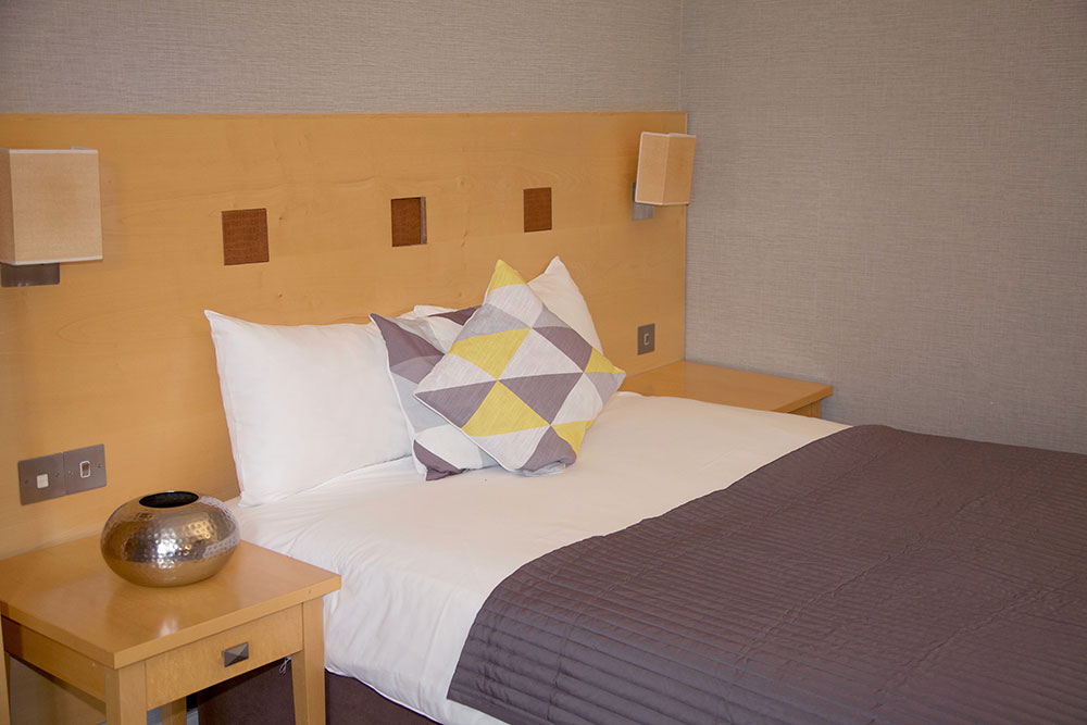 Superior Double Room - Warwick Arms Hotel
